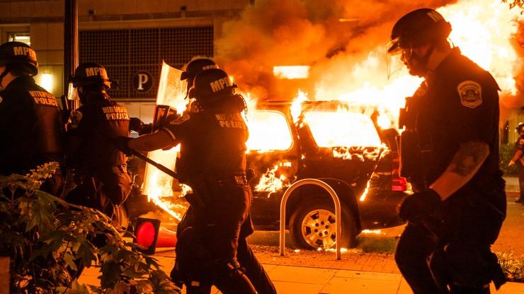 Zamieszki w USA. Tłum starł się z policją przed Białym Domem