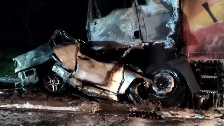 Tragiczny wypadek na obwodnicy. Jedna osoba nie żyje, dwa spalone auta