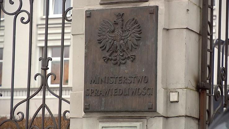 KE wszczyna procedurę przeciwko Polsce. Odpowiedź resortu sprawiedliwości