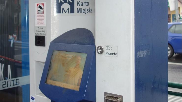 Krakowskie biletomaty wysmarowane kałem. Sprawą zajmie się policja