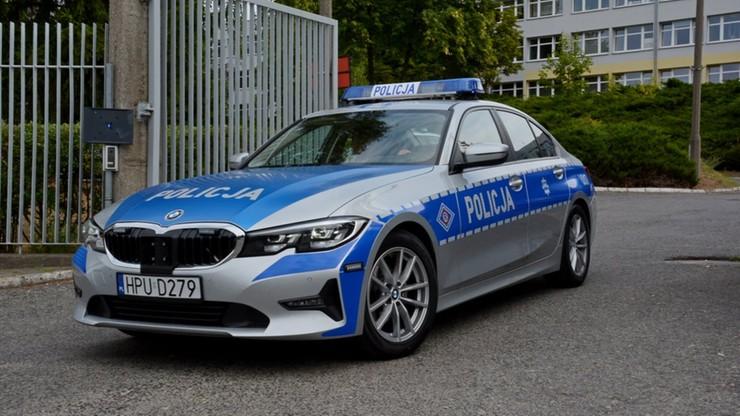 """""""Zaprosili"""" policję na zlot samochodów. 40 kierowców ukaranych mandatami"""