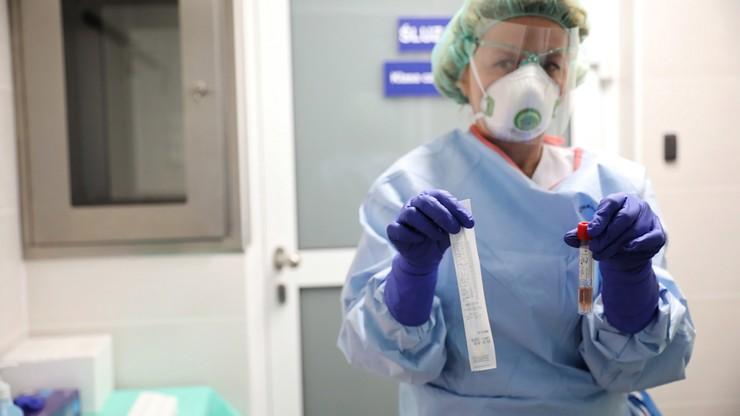 Rośnie liczba zakażonych koronawirusem w Polsce. Kolejne ofiary