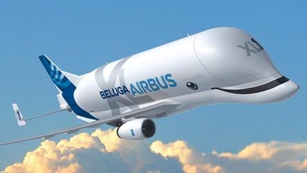 Tak prezentuje się z zewnątrz i od środka gigantyczny Airbus Beluga XL [FILM]