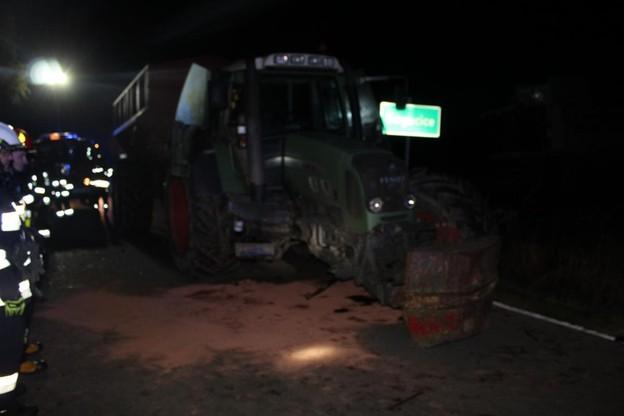 W wyniku wypadku z traktora odpadło koło