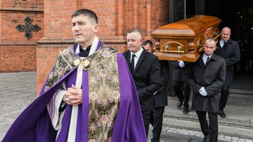 Pogrzeb 33-latka, który zginął na przejściu dla pieszych w Warszawie. Trwa zbiórka dla rodziny