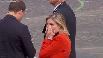 Francuska minister nie wzięła maseczki. Zakrywała twarz dłońmi