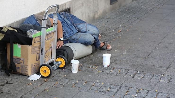 Hotele udzielą schronienia bezdomnym na czas walki z koronawirusem