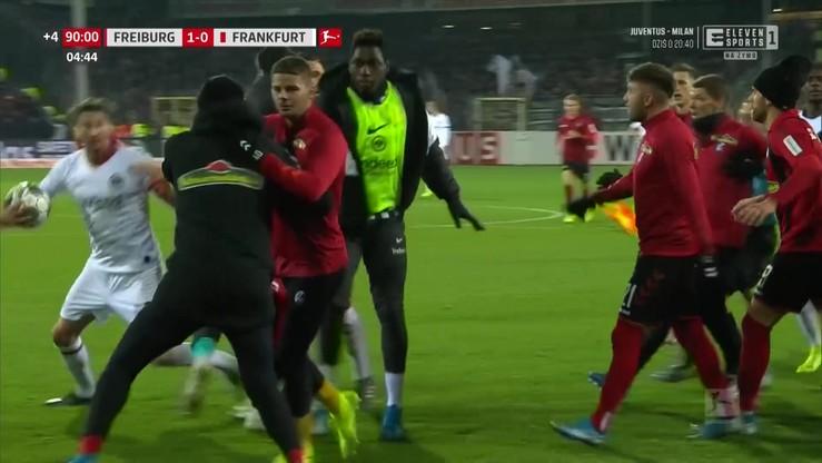 Skandaliczne zachowanie kapitana Eintrachtu! Staranował trenera rywali [Eleven Sports]