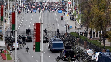 Milicja w Mińsku użyła granatów hukowych przeciwko demonstrantom. Jutro ogólnokrajowy strajk