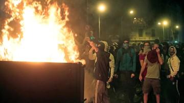 Setki rannych po starciach w Katalonii. Demonstranci stawiają barykady