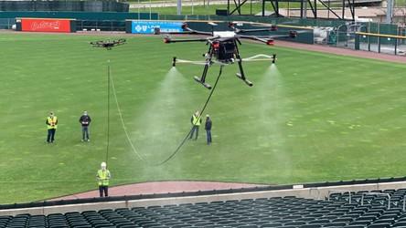Stadiony dezynfekowane za pomocą dronów, tak może wyglądać przyszłość
