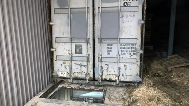 Fabryka papierosów cztery metry pod ziemią. Grupa przestępcza rozbita dzięki CBŚP