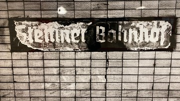 """""""Następna stacja: BERLIN SZCZECIŃSKI!"""". Narodziny i upadek wielkiego dworca"""
