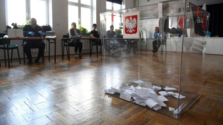Wojewodowie przesunęli wybory uzupełniające