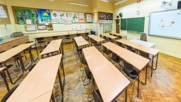 Koronawirus na szkolnej wywiadówce. Rodzice i uczniowie objęci kwarantanną
