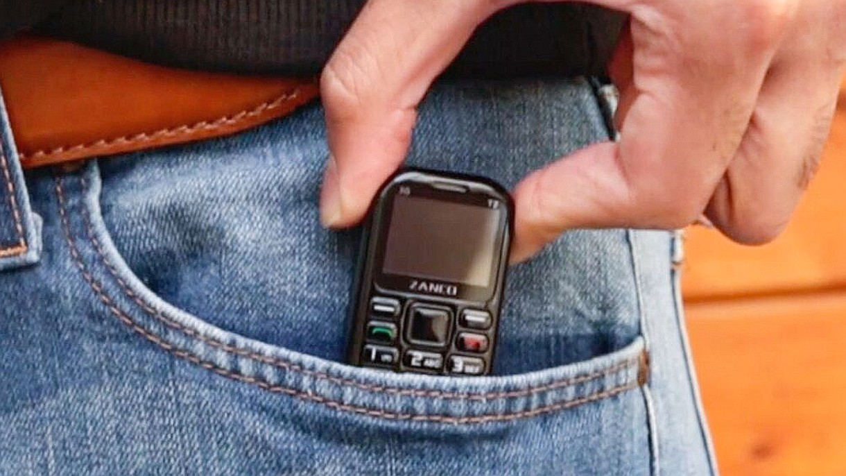 Jest najmniejszym telefonem na świecie, ale potrafi naprawdę wiele i działa 7 dni
