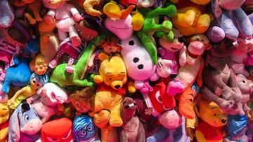 Pluszaki, lalki, samochodziki. KAS zatrzymała przemyt 20 ton podrobionych zabawek