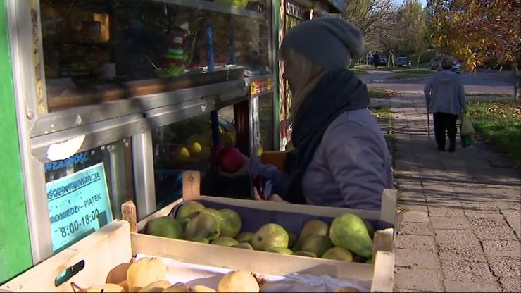 Rencista z porażeniem mózgowym prowadzi warzywniak. Sąsiedzi masowo wykupują jego towar
