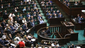 """Sejm uchwalił """"piątkę dla zwierząt"""". Przeciw było 38 posłów klubu PiS"""