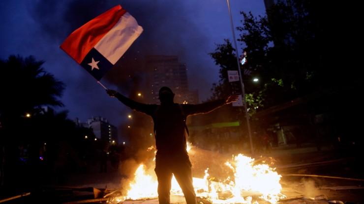 Mimo rekonstrukcji rządu, protesty w Chile nie ustają. 10 tys. osób na ulicach