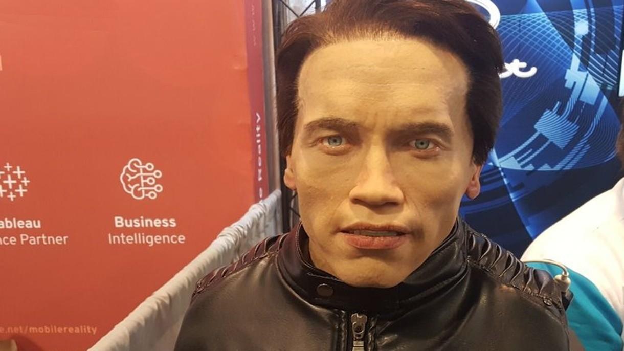 Rosyjska firma zbudowała strasznego robota z głową Arnolda Schwarzeneggera