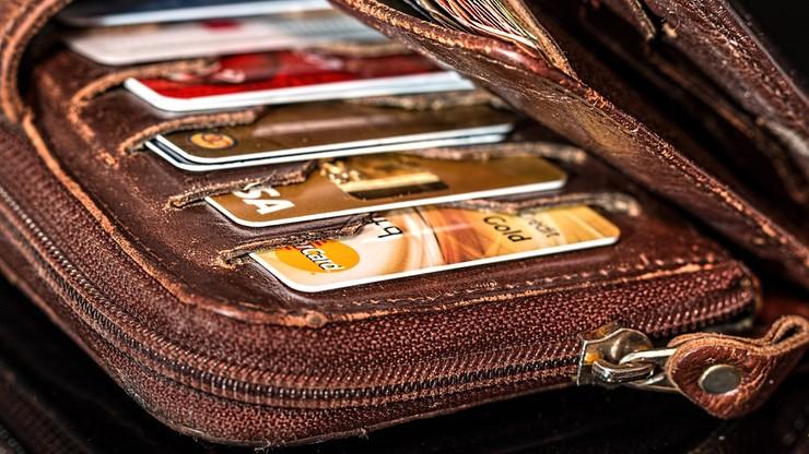 Sąd odebrał zakupoholiczce dostęp do kart płatniczych. Na prośbę rodziny
