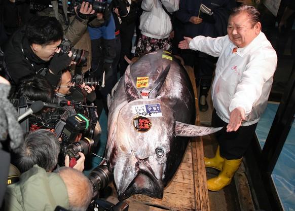 Rekordowy tuńczyk wylicytowany na aukcji w Tokio