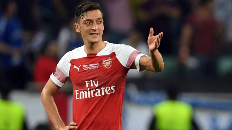 W Chinach odwołano transmisję meczu Arsenalu z powodu wpisu na Twitterze Oezila