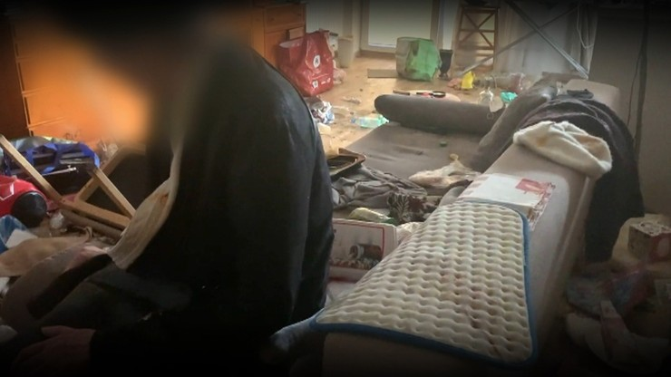 Fekalia w mieszkaniu, fetor w bloku. Koszmar w Markach pod Warszawą
