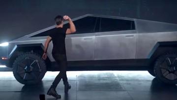 """Tesla pokazała """"pancerne"""" auto. Podczas prezentacji coś poszło nie tak"""