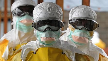 """24.01.2020 08:00 Chińscy reporterzy mówią o grubych tysiącach ofiar """"choroby x"""" w Chinach"""
