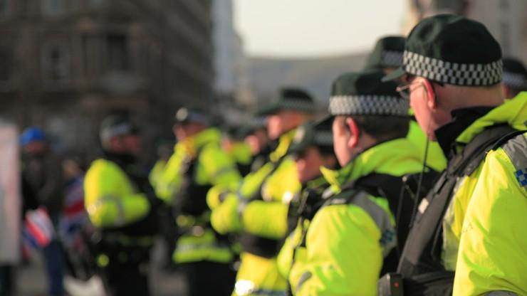 Protesty w Dublinie przeciwko restrykcjom dotyczącym pandemii