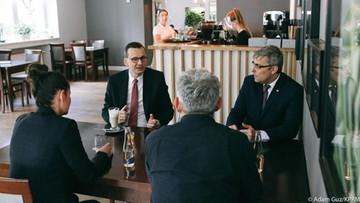 """""""Odległości są zalecane, ale nie są nakazywane"""". Premier o swojej wizycie w restauracji"""