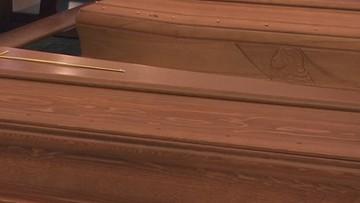 Francja: opłaty za czuwanie przy zmarłym