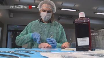 Ćwiczyli na wieprzowych nóżkach. Mistrzostwa Polski w Szyciu Chirurgicznym