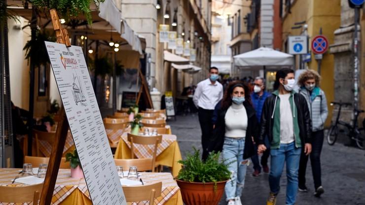 Koronawirus we Włoszech. Zamknął o północy bar i otworzył... 15 minut później. Policja bezradna