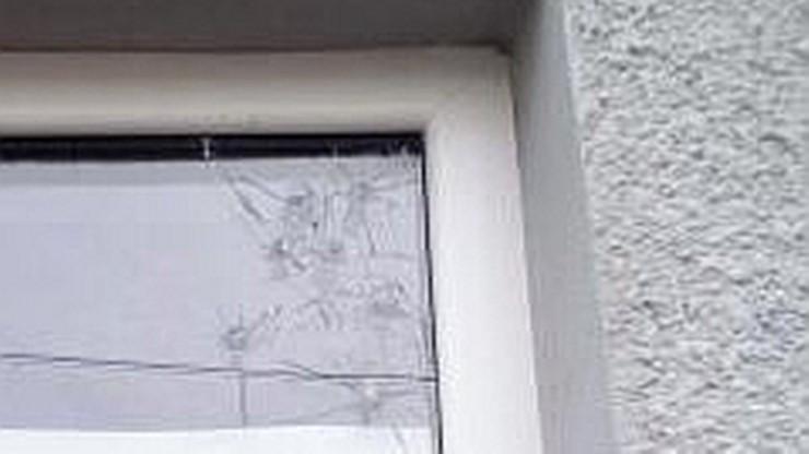 Czarnecki: ostrzelano moje biuro europoselskie