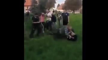 Ojciec i syn zaatakowali policjantów. Grozi im do 10 lat więzienia [WIDEO]