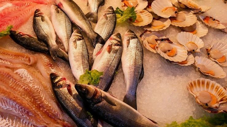 Mintaj, śledź i makrela. Ile i jakie ryby jedzą Polacy?
