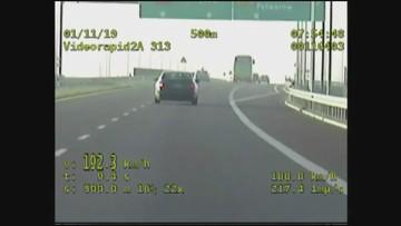 Pędził mercedesem 300 km/h. Policjanci w bmw mieli problem