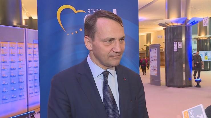 """Rachunek Sikorskiego. Ponad 4 tys. zł za roaming w Szwajcarii. """"To nie fair"""""""