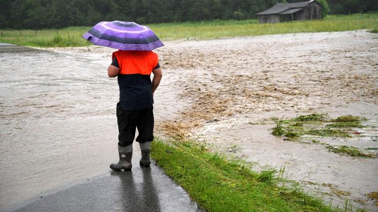 Burze z gradem w prawie całym kraju. IMGW ostrzega