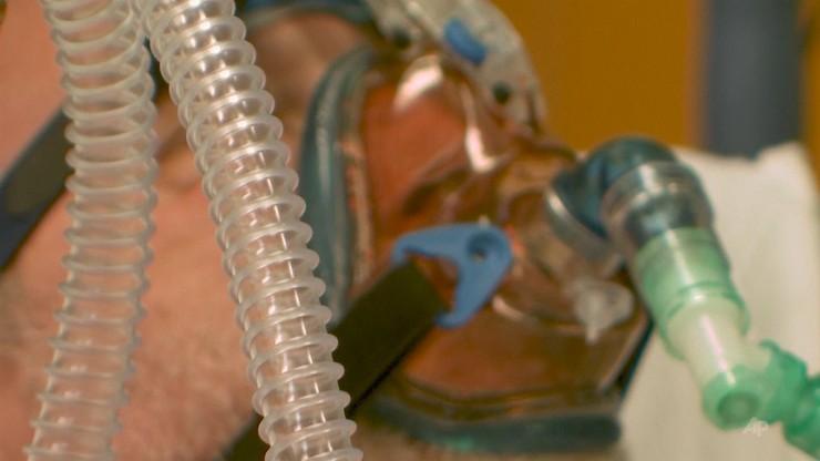 Koronawirus w Polsce. Rośnie liczba zajętych łóżek i pacjentów pod respiratorami