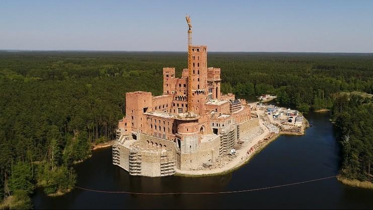 Szef MSWiA chce odwołania wojewody, który nie uchylił pozwolenia na budowę zamku w Stobnicy
