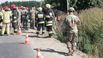 Wypadek amerykańskiej cysterny pod Bydgoszczą. Blokada drogi potrwa do wieczora