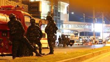 Żołnierz strzelał do ludzi w centrum handlowym. Podczas ataku pisał na Facebooku
