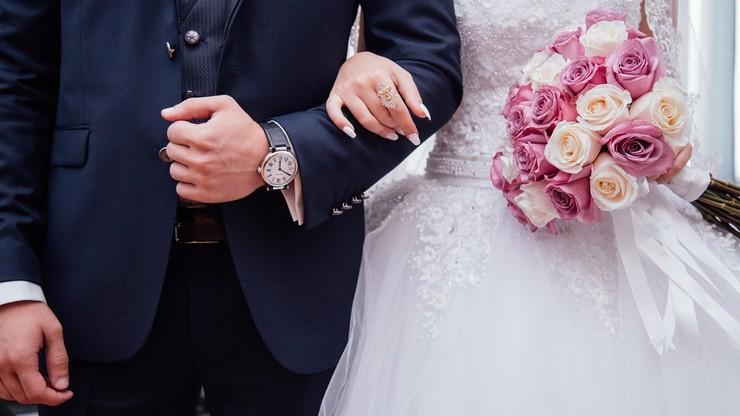 """Będą """"naloty"""" policji na wesela? Minister zdrowia nie wyklucza"""