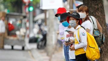 Trzech mieszkańców z koronawirusem. Ewakuowano 80 tys. osób