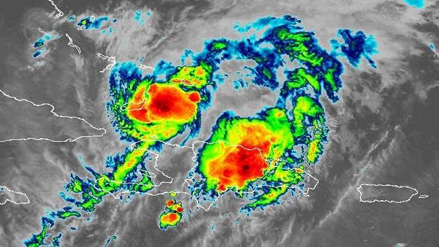 Zdjęcie satelitarne huraganu Izajasz. Fot. NASA.