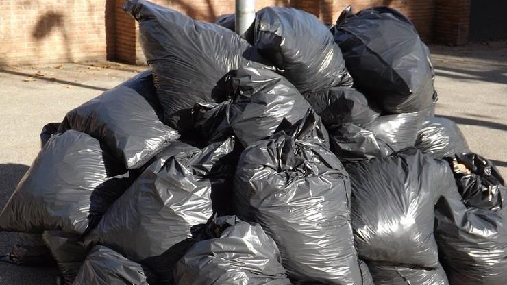 We włoskim miasteczku zatrudnią do sprzątania śmieci. Będzie... losowanie